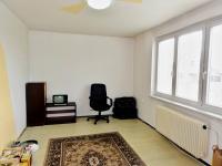 obývací pokoj - Prodej bytu 3+1 v osobním vlastnictví 72 m², Řečany nad Labem