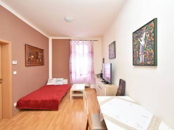 Prodej bytu 2+kk v osobním vlastnictví 42 m², Praha 8 - Libeň