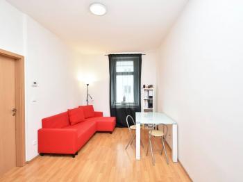 Prodej bytu 2+kk v osobním vlastnictví 44 m², Praha 8 - Libeň