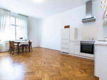 Prodej bytu 3+kk v osobním vlastnictví 84 m², Praha 6 - Břevnov
