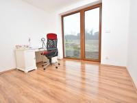 Ložnice v přízemí. - Prodej domu v osobním vlastnictví 93 m², Vinařice