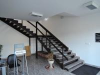 vstupní hala - Pronájem kancelářských prostor 24 m², Praha 5 - Radotín