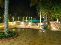 vešerní osvětlení bazénu - Pronájem domu v osobním vlastnictví 78 m², Rekawa