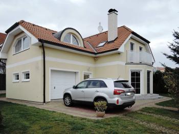 Pronájem domu v osobním vlastnictví, 159 m2, Praha 4 - Modřany