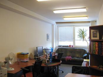 Pronájem kancelářských prostor 24 m², Praha 5 - Radotín