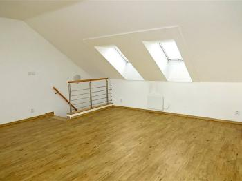 Pronájem bytu 1+kk v osobním vlastnictví 41 m², Praha 9 - Vysočany
