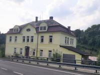 Prodej nájemního domu 2000 m², Loužnice