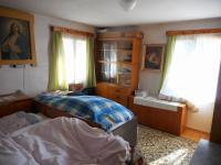 pokoj v přízemí (Prodej chaty / chalupy 400 m², Josefův Důl)