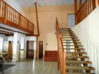 schodiště (Prodej domu v osobním vlastnictví 320 m², Desná)