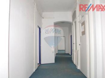 Chodba u kanceláří - Pronájem kancelářských prostor 200 m², Jablonec nad Nisou