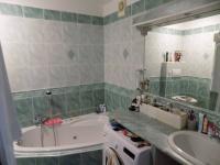koupelna (Prodej bytu 4+1 v osobním vlastnictví 80 m², Liberec)