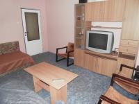 foto 17 - obývací pokoj s lodžií (Prodej bytu 3+1 v osobním vlastnictví 74 m², Jiřetín pod Bukovou)