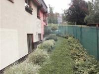 zahrada vedle domu - Prodej domu v osobním vlastnictví 143 m², Jablonec nad Nisou