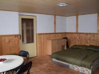 pokoj (Prodej domu v osobním vlastnictví 200 m², Úherce)
