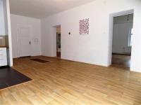 foto 14 - obývací pokoj - vstupy do pokojů (Prodej bytu 4+kk v osobním vlastnictví 130 m², Liberec)