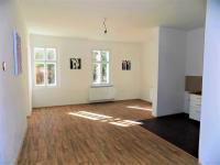foto 10 - obývací pokoj s kuch. koutem (Prodej bytu 4+kk v osobním vlastnictví 130 m², Liberec)