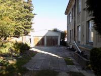 foto 4 - dvougaráž u domu (Prodej bytu 4+kk v osobním vlastnictví 130 m², Liberec)