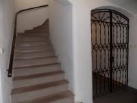 foto 30 - schodiště v domě - Prodej komerčního objektu 366 m², Jilemnice