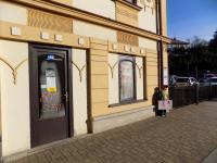 foto 14 - vstup do prodejny č. 2 (Prodej komerčního objektu 366 m², Jilemnice)