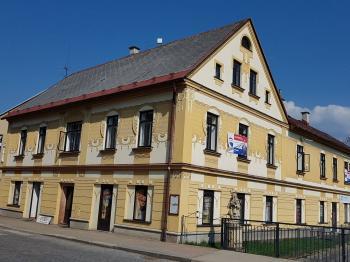 foto 1 - pohled na dům - Prodej komerčního objektu 366 m², Jilemnice