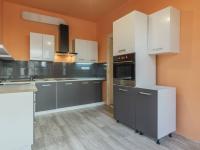 foto 5 - byt v 1. NP - kuchyně - Prodej domu v osobním vlastnictví 230 m², Jablonec nad Nisou