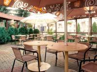 zahrádka restaurace - Prodej penzionu 650 m², Hrádek nad Nisou