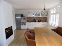 foto 9 - obývací pokoj s kuchyní ve 2. NP - Prodej domu 160 m², Janov nad Nisou