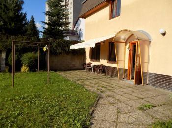 pohled na dům - Pronájem bytu 2+kk v osobním vlastnictví 50 m², Jablonec nad Nisou