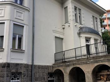 foto 3 - pohled na dům - Prodej domu v osobním vlastnictví 900 m², Jablonec nad Nisou