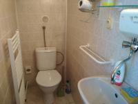 koupelna v 2.NP (Prodej domu v osobním vlastnictví 80 m², Vrchlabí)