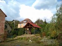 část zahrady s altánem (Prodej domu v osobním vlastnictví 80 m², Vrchlabí)