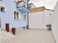 Dvůr za domem (Prodej domu v osobním vlastnictví 205 m², Blučina)