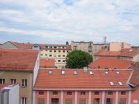 Výhled do dvora (Prodej bytu 3+kk v družstevním vlastnictví 83 m², Brno)