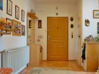 Vstupní dveře, zádveří (Prodej bytu 3+kk v osobním vlastnictví 90 m², Mikulov)