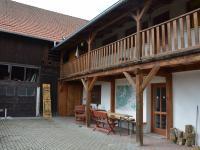 Dvůr (Pronájem penzionu 250 m², Jedovnice)