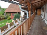 Balkon  (Pronájem penzionu 250 m², Jedovnice)