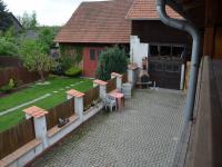Pohled z balkonu  (Pronájem penzionu 250 m², Jedovnice)