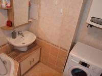 Koupelna (Prodej bytu 2+kk v osobním vlastnictví 42 m², Rousínov)