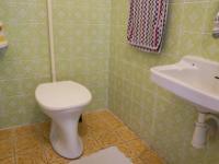 WC, 1.NP (Prodej domu v osobním vlastnictví 210 m², Mikulov)