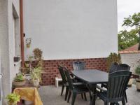 Terasa s posezením (Prodej domu v osobním vlastnictví 210 m², Mikulov)