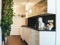 Kuchyně (Prodej bytu 2+1 v osobním vlastnictví 56 m², Kroměříž)