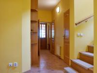 Chodba, schodiště (Prodej domu v osobním vlastnictví 245 m², Brno)