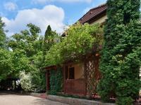 Parkovací plocha (Prodej domu v osobním vlastnictví 245 m², Brno)