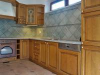 Kuchyně (Prodej domu v osobním vlastnictví 245 m², Brno)