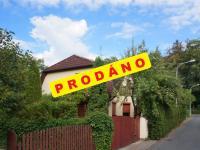 Pohled z ulice (Prodej domu v osobním vlastnictví 245 m², Brno)
