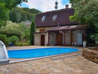 Bazén, terasa (Prodej domu v osobním vlastnictví 245 m², Brno)
