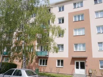 Pohled na dům - Prodej bytu 1+1 v družstevním vlastnictví 36 m², Přerov