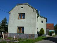 Pohled na dům z ulice (Prodej domu v osobním vlastnictví 187 m², Kulířov)