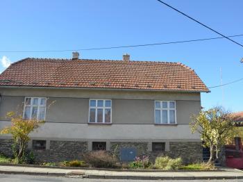 Pohled na dům  - Prodej domu v osobním vlastnictví 113 m², Krásensko
