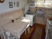 Kuchyně v 1.NP (Prodej domu v osobním vlastnictví 113 m², Krásensko)